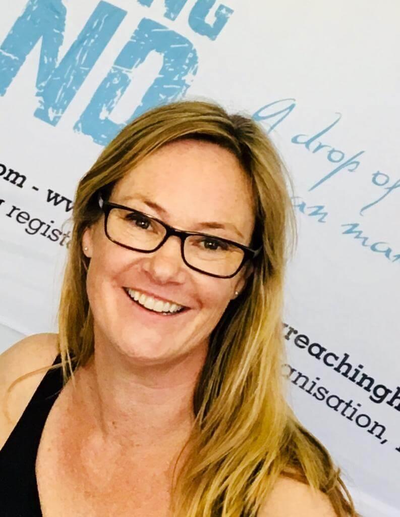 Karin Hoole, A Reaching Hand, Kapstaden